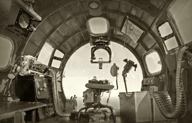Cabina do piloto velha do bombardeiro fotografia de stock