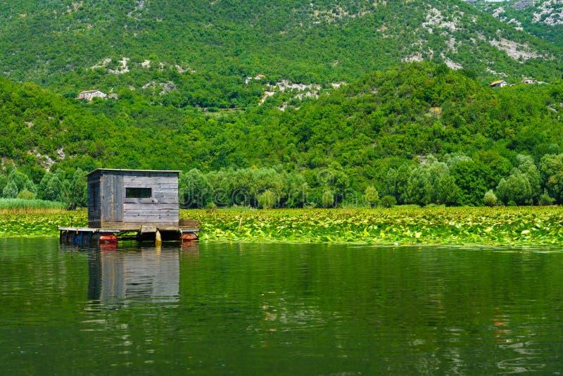 Cabina, lago Skadar fotografía de archivo libre de regalías