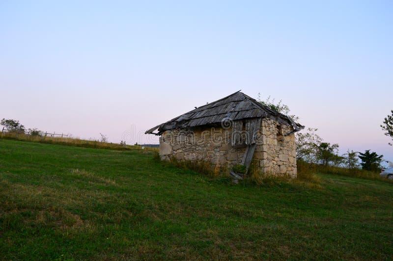 cabina oxidada vieja imagenes de archivo