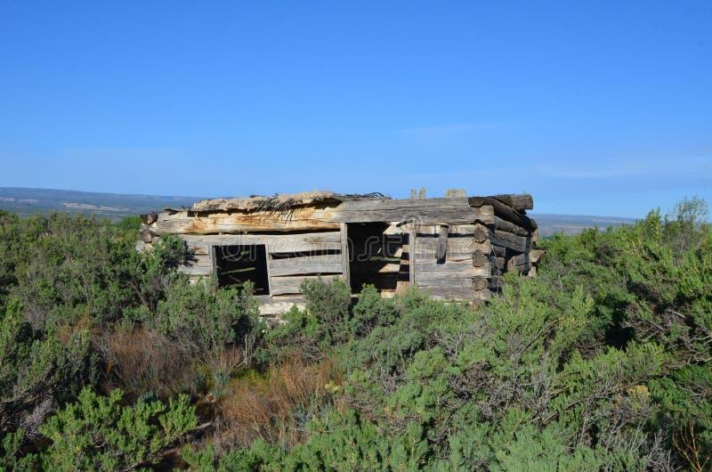 Cabina pionera en el oeste imagen de archivo libre de regalías