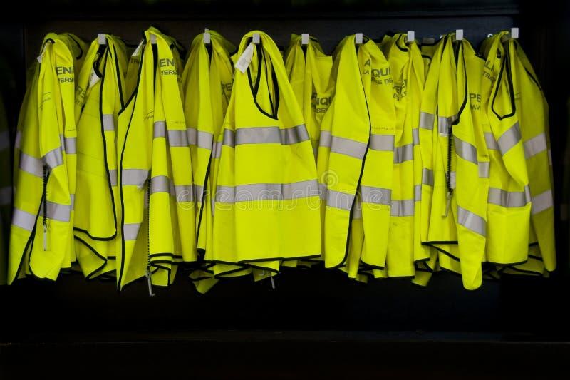 Cabina reflexiva de las chaquetas imagenes de archivo