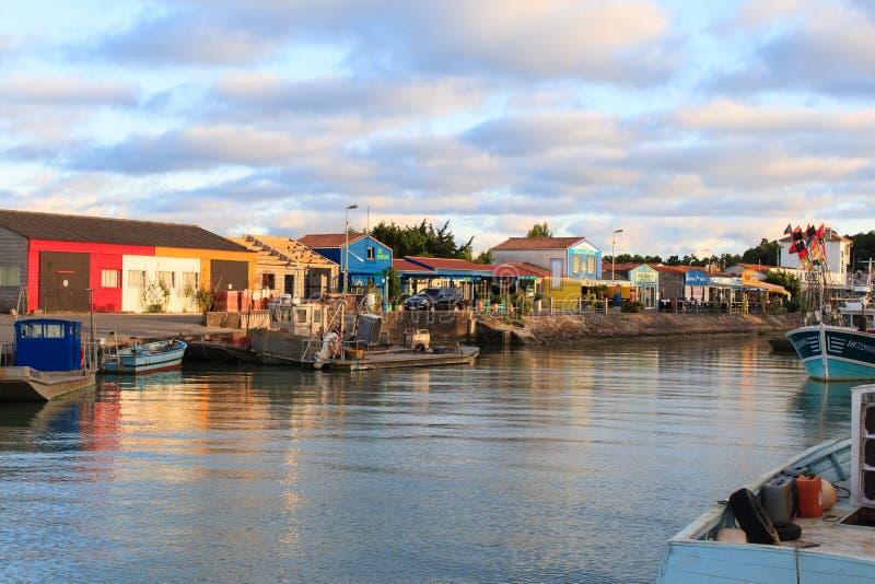 Cabinas coloridas en el oleron Francia de la isla imagen de archivo