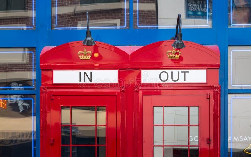 Cabinas de teléfono rojas, la tira, Las Vegas Boulevard, Las Vegas, Nevada, los E.E.U.U., Norteamérica imagen de archivo libre de regalías