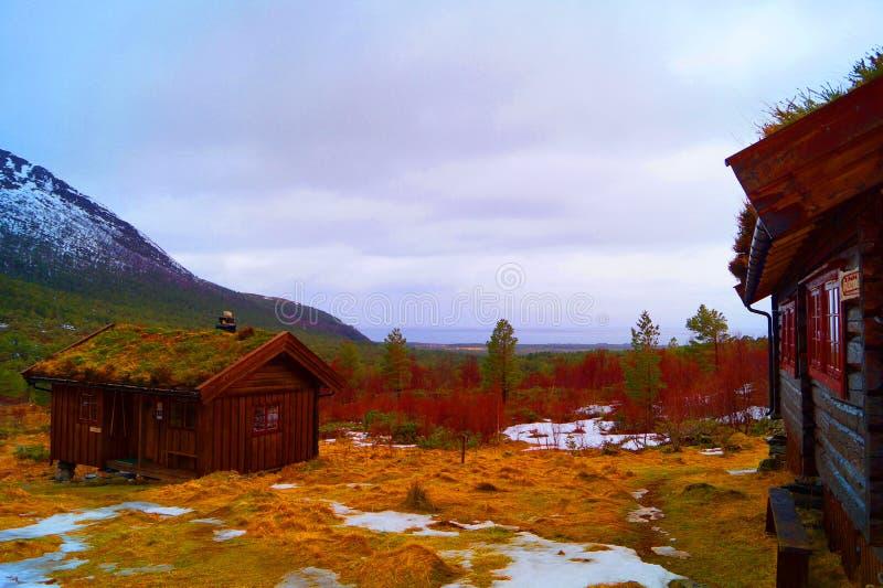 Cabine in de berg stock afbeelding