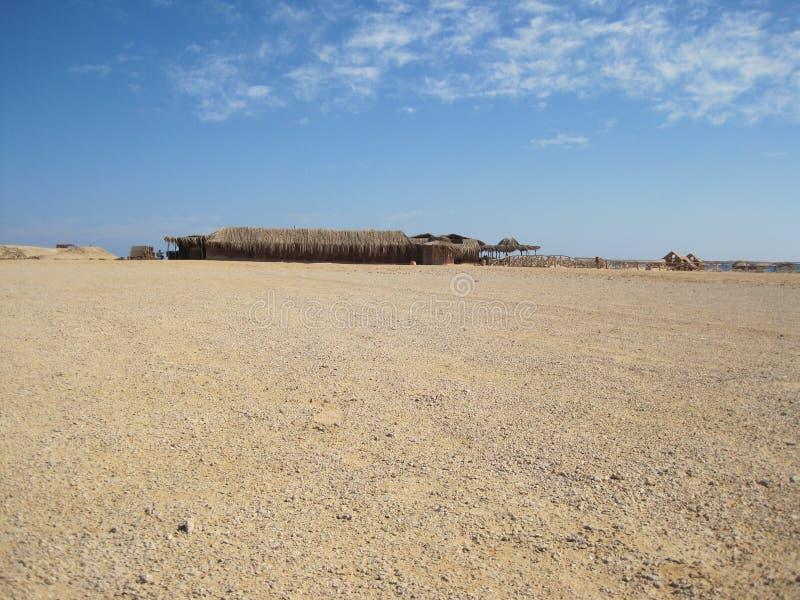 Cabine in de Egyptische woestijn royalty-vrije stock foto's