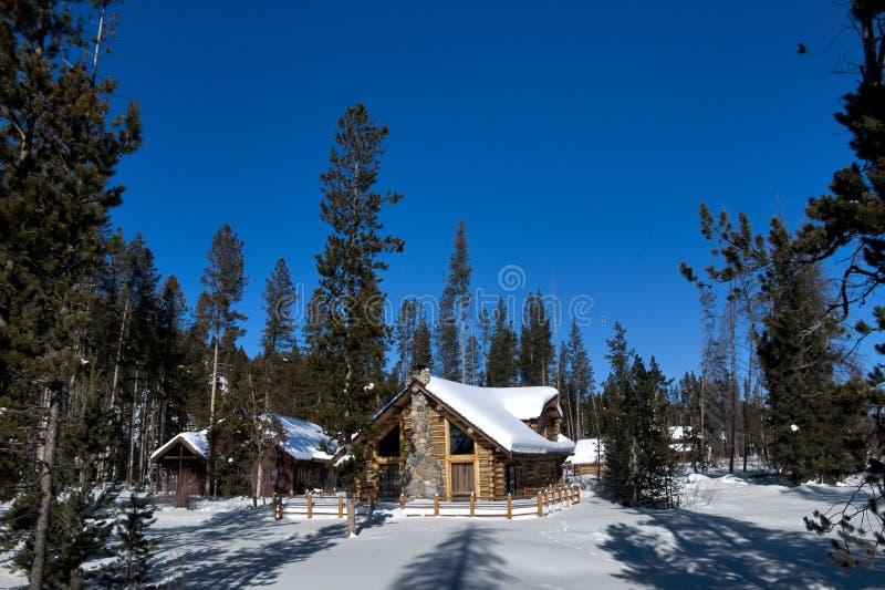 Cabine de logarithme naturel de l'hiver de l'Idaho photo stock