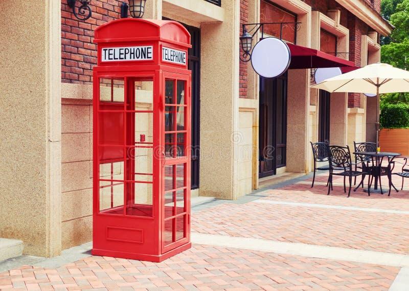 Cabine de telefone vermelha foto de stock royalty free