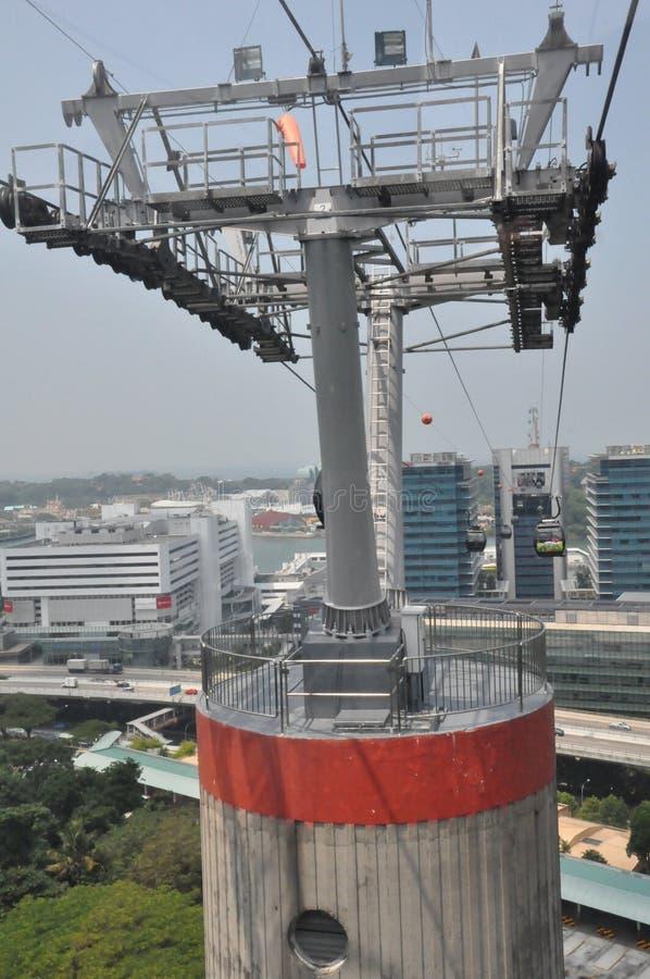 Cabine di funivia da Singapore all'isola di Sentosa immagini stock