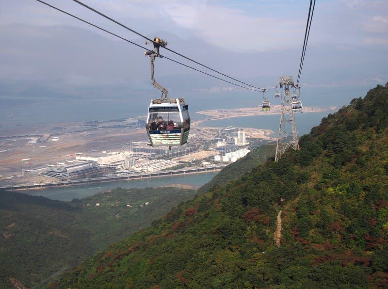 Cabine di funivia e torre in Tung Chung in Hong Kong City immagini stock libere da diritti