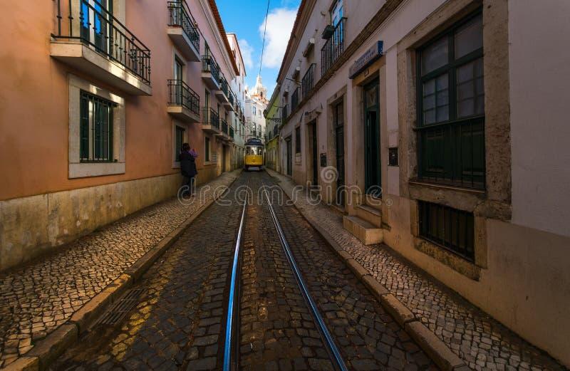 Cabine di funivia di Lisbona Bika funicolare portugal fotografia stock