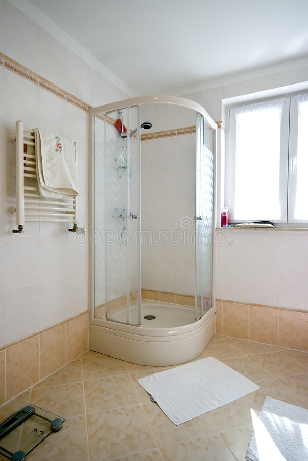 Cabine do chuveiro do banheiro foto de stock