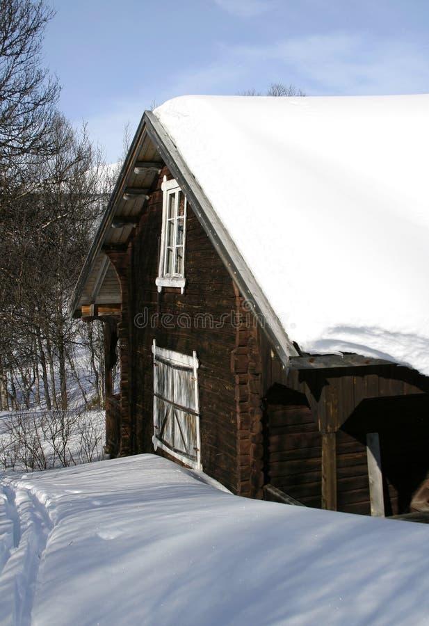 Cabine do inverno fotografia de stock royalty free