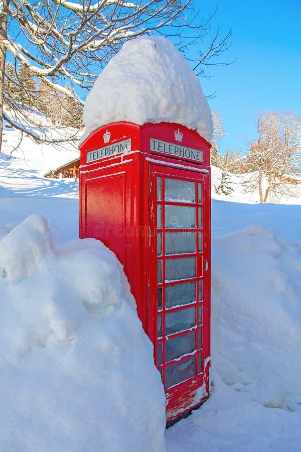 Cabine téléphonique rouge image libre de droits
