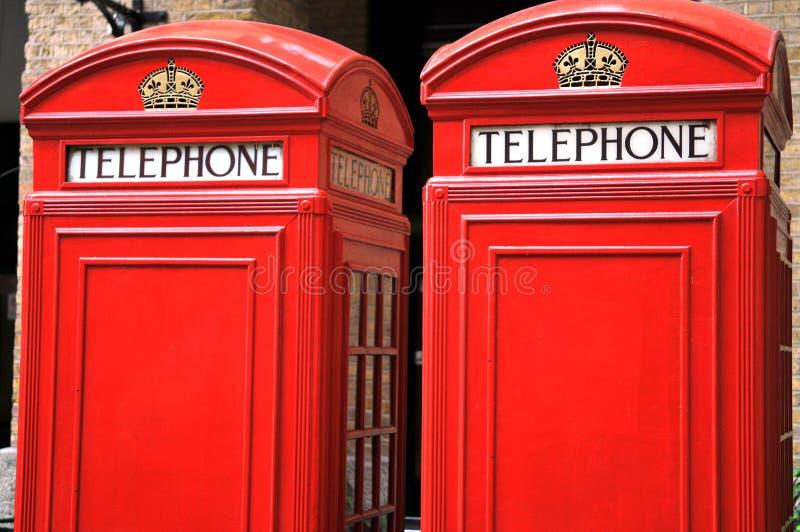 Cabine telefoniche rosse a Londra immagini stock
