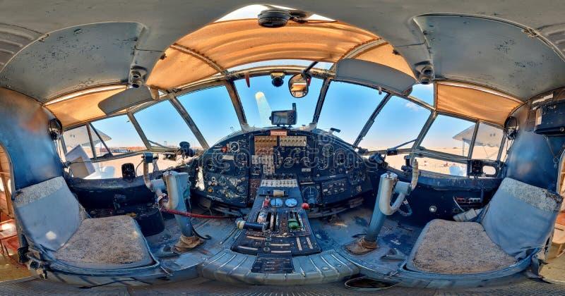 Cabine van het oude vliegtuig Het apparaat van gegevensinput voor werktuigmachines met digitaal beheer stock fotografie