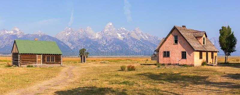 Cabines da fileira do mórmon no parque nacional grande de Teton imagem de stock