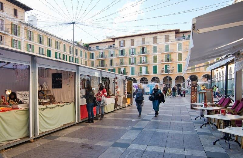 Cabines du marché de maire Christmas de plaza photos libres de droits