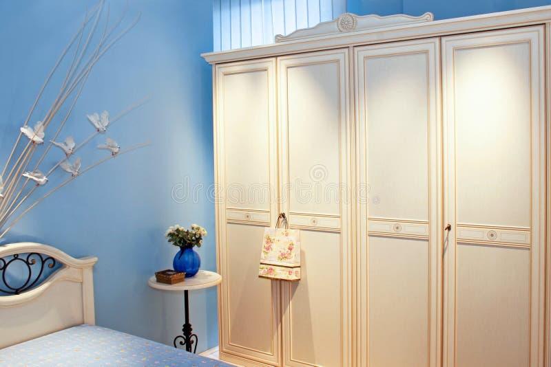 Cabinet bleu de pièce images libres de droits