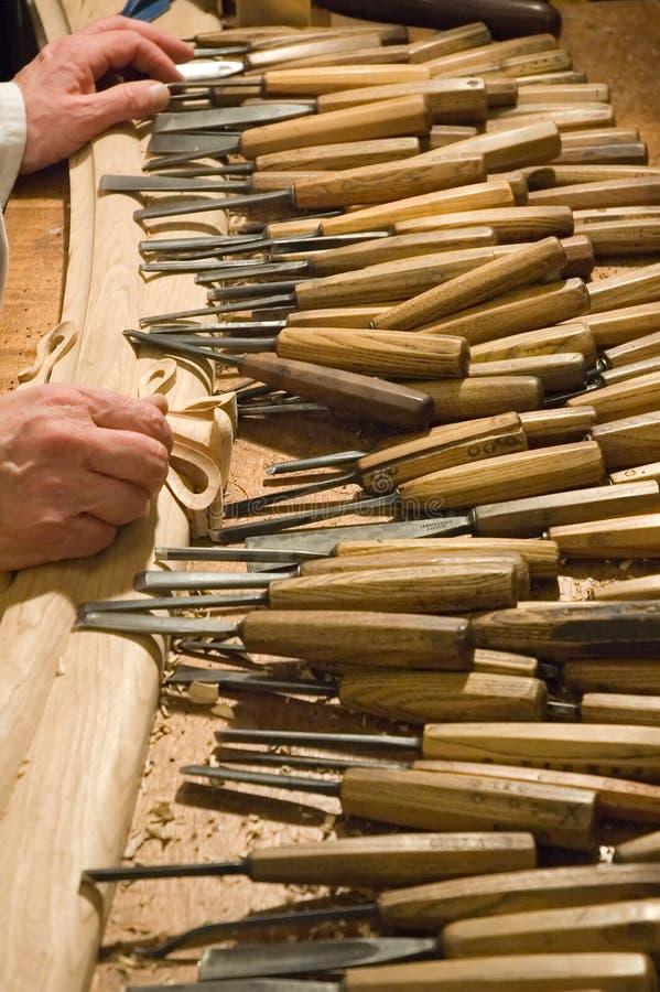 Cabinetmaker mit seinen Hilfsmitteln stockbilder