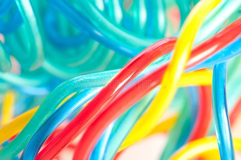 Cable multicolor del ordenador fotos de archivo