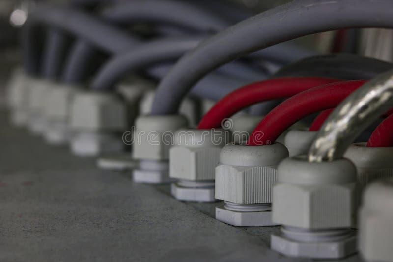 Cables del dispositivo complicado fotografía de archivo
