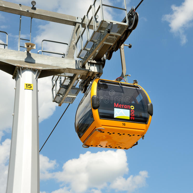 Download Cableway editorial stock image. Image of mountain, transport - 33642349