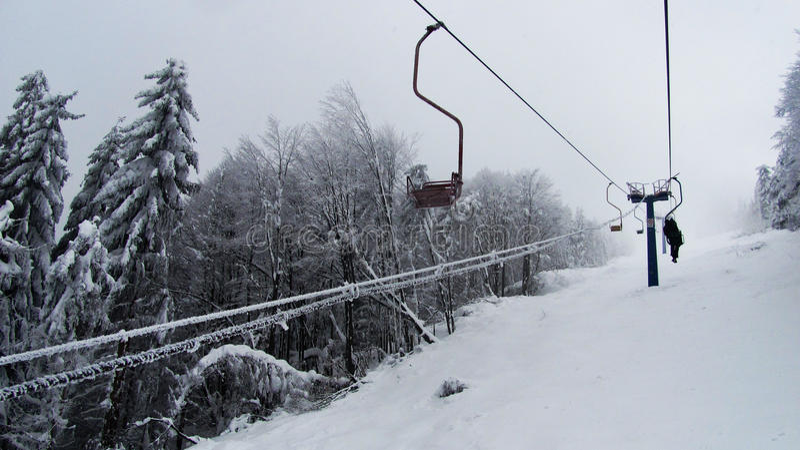 Cableway w górach fotografia stock