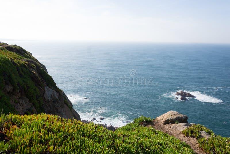 cabo da Portugal roca falezy nad Atlantyckim oceanem najwi?cej westerly punktu Europejski sta?y l?d fotografia stock