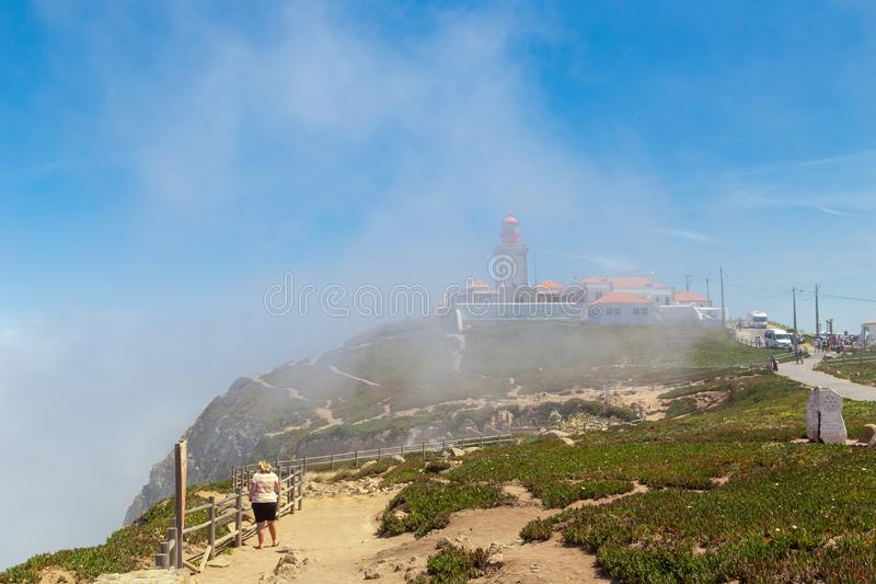 Cabo da Roca sommar i dimman royaltyfria foton