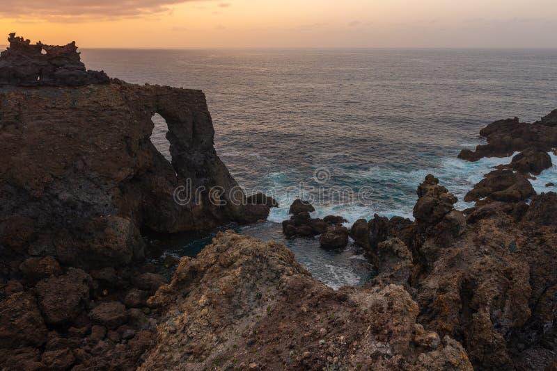 Cabo Punta de Juan Centellas al atardecer, Tenerife, España imágenes de archivo libres de regalías