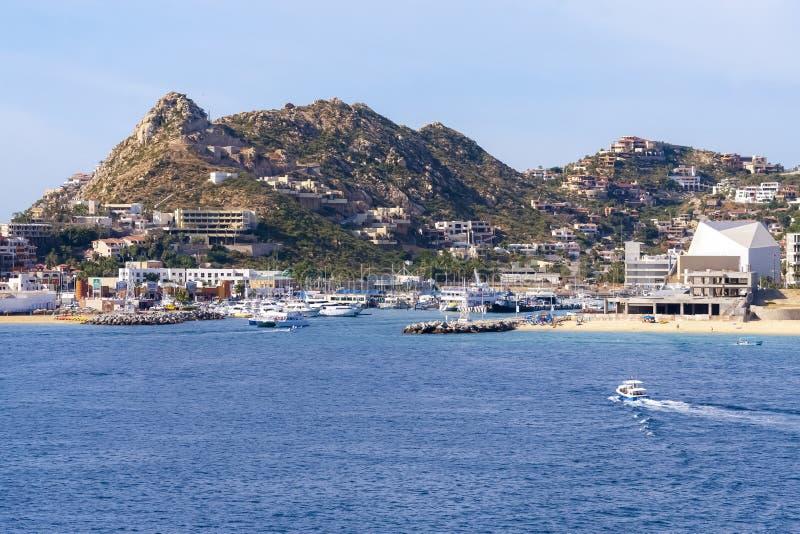 Cabo San Lucas fjärd med blå himmel royaltyfri foto