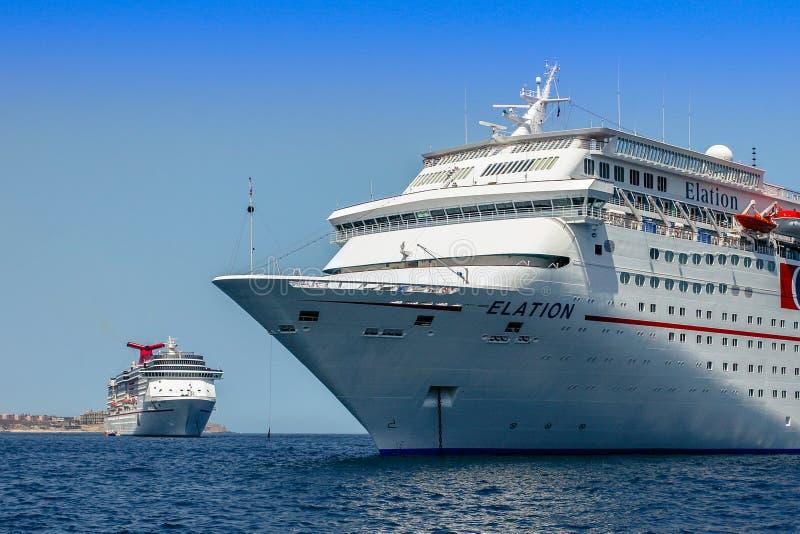 Cabo San Lucas, Meksyk, Październik/- 13, 2007: Widok na statkach wycieczkowych obrazy royalty free