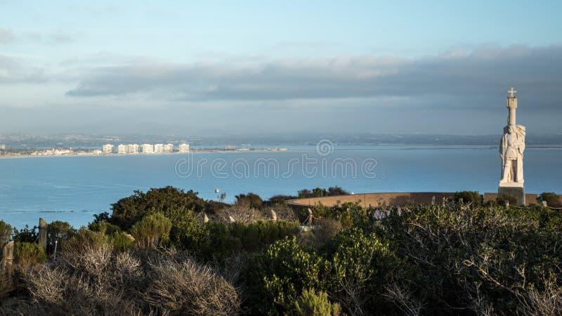 Cabrillo Monument und San Diego lizenzfreie stockfotografie