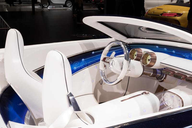 Cabriolet-Autoinnenraum Visions-Mercedes Maybachs 6 stockfotos