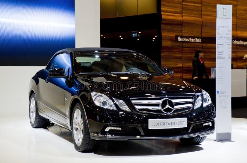 Cabriolet novo da E-classe de Mercedes na mostra imagens de stock
