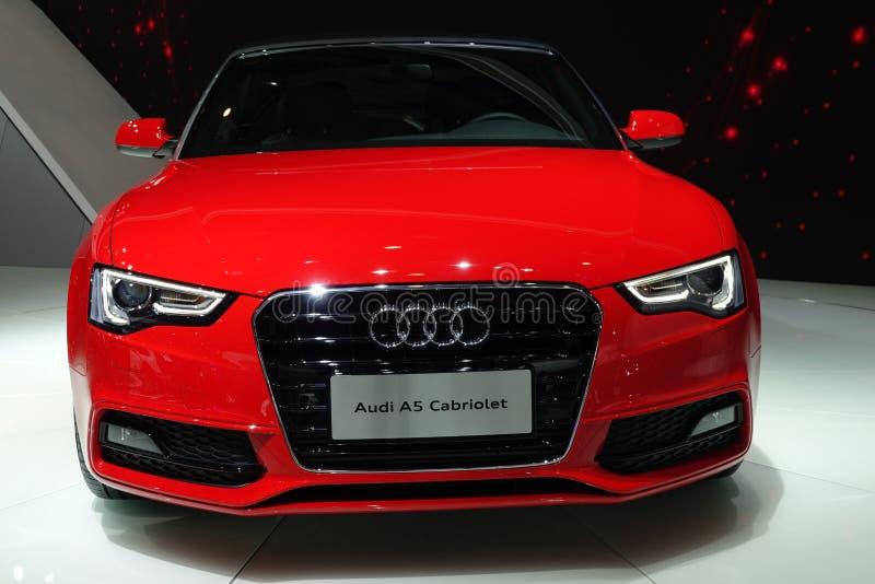 Cabriolet rosso di Audi a5 immagine stock