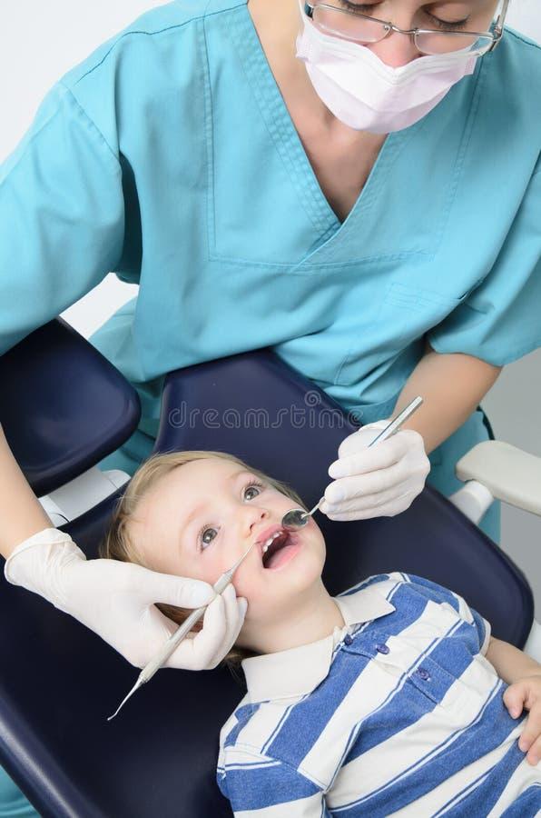 Cabrito en el dentista foto de archivo libre de regalías