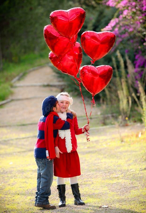 Cabritos de las tarjetas del día de San Valentín imágenes de archivo libres de regalías