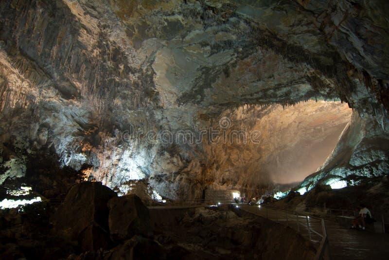 CACAHUAMILPA, MÉXICO - 2010: Cuevas de Grutas de Cacahuamilpa Cacahuamilpa fotos de archivo libres de regalías