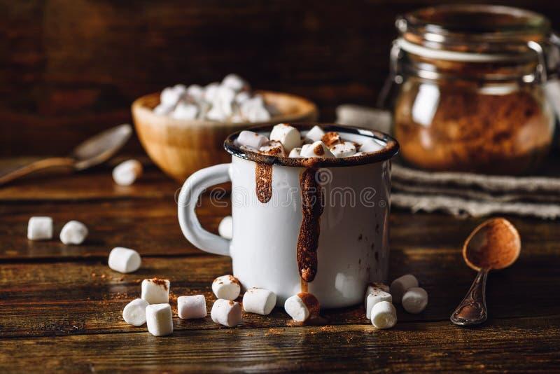 Cacao con las melcochas imagen de archivo libre de regalías