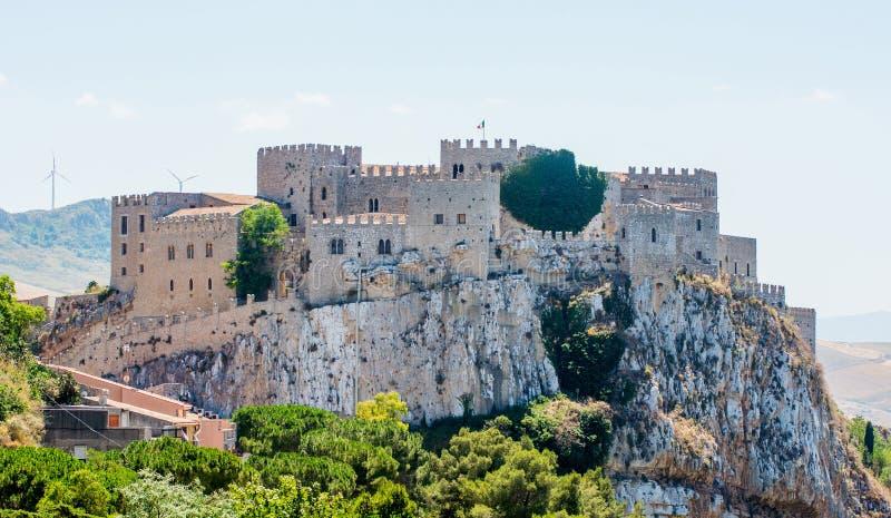 Caccamo medeltida slott, n?ra Palermo, Sicilien royaltyfri foto