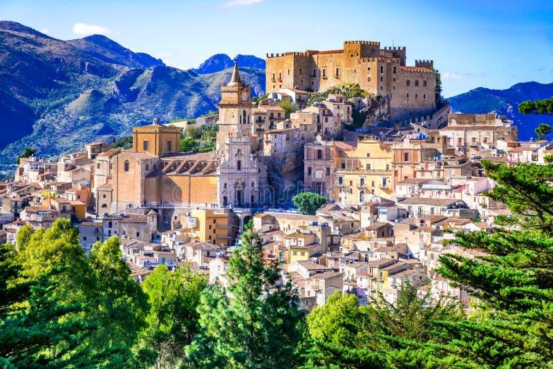 Caccamo Sicilien, Italien fotografering för bildbyråer
