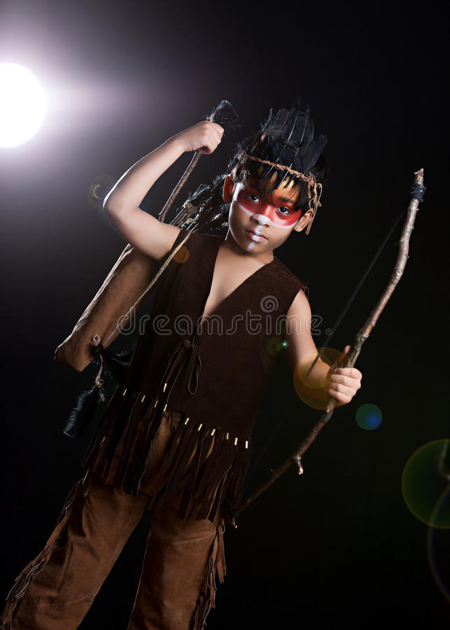 Cacciatore del nativo americano fotografie stock libere da diritti