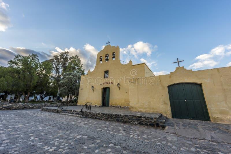 Cachi kyrka i Salta, nordliga Argentina. royaltyfri fotografi