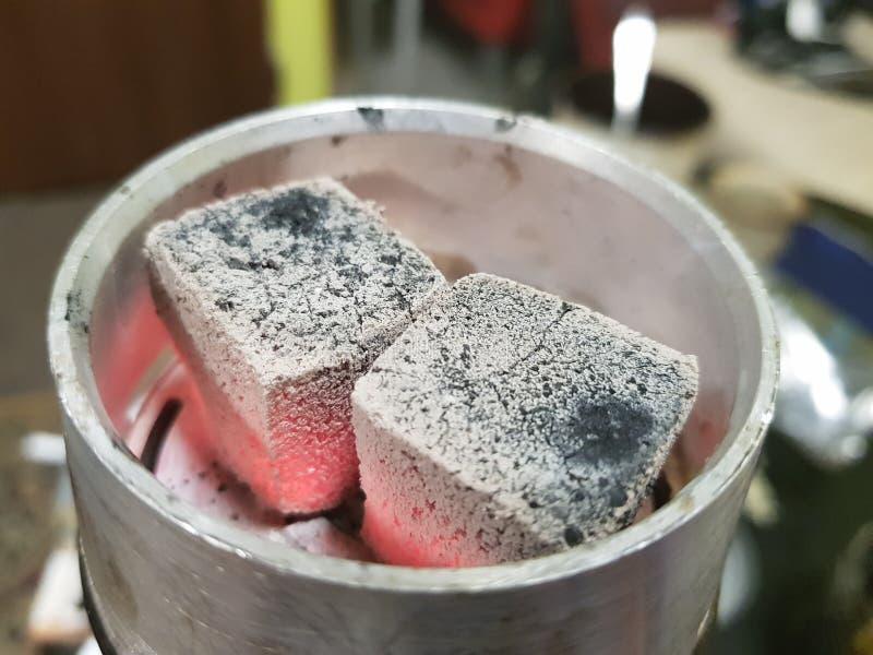 Cachimbo de água do carvão vegetal imagem de stock