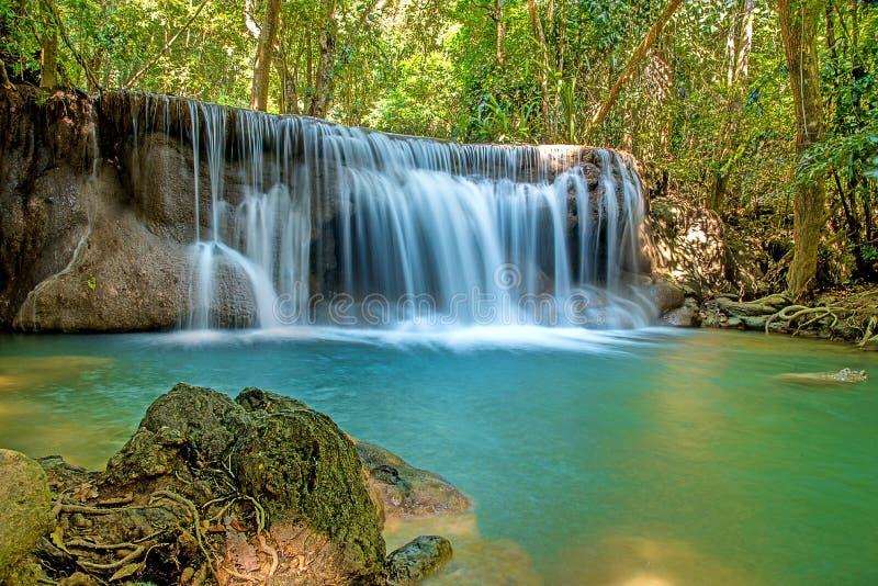 A cachoeira é uma cachoeira bonita imagem de stock royalty free