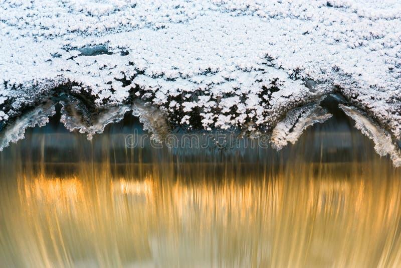 Download Cachoeira imagem de stock. Imagem de outdoors, portal - 12807657