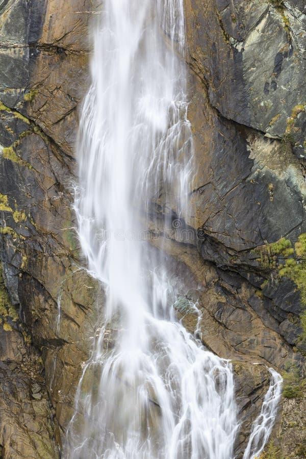 Cachoeira alta fotografia de stock