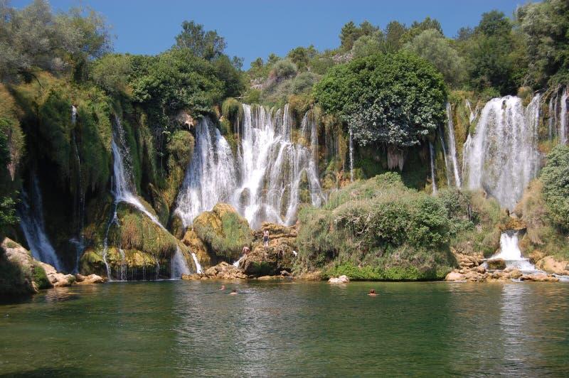Cachoeira, Bósnia e Herzegovina de Kravice fotos de stock royalty free