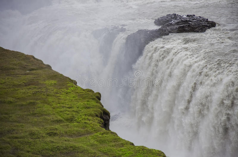 Cachoeira bonita e famosa de Gullfoss, rota dourada do círculo dentro fotografia de stock